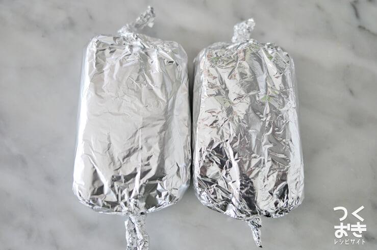 豚肉の手作りソーセージ風のアルミホイル包み写真