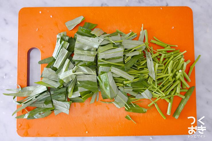 空芯菜の炒め物の料理手順その1