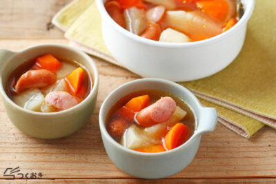かぶとソーセージのコンソメスープの写真