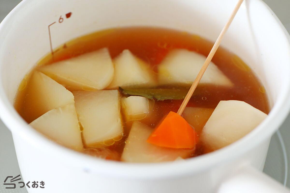 かぶとソーセージのコンソメスープの手順写真その2