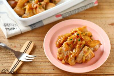 チキンソテー・オニオンソースの料理写真