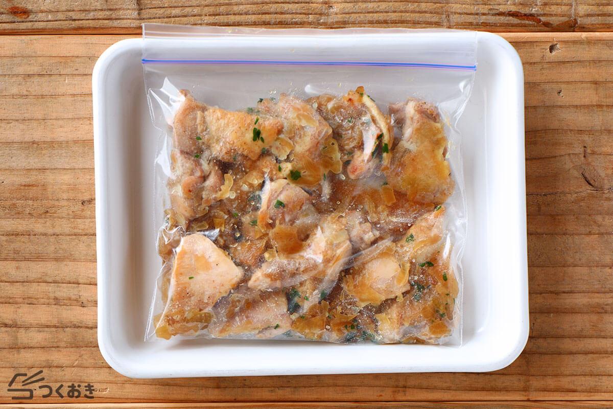 チキンソテー・オニオンソースの冷凍写真