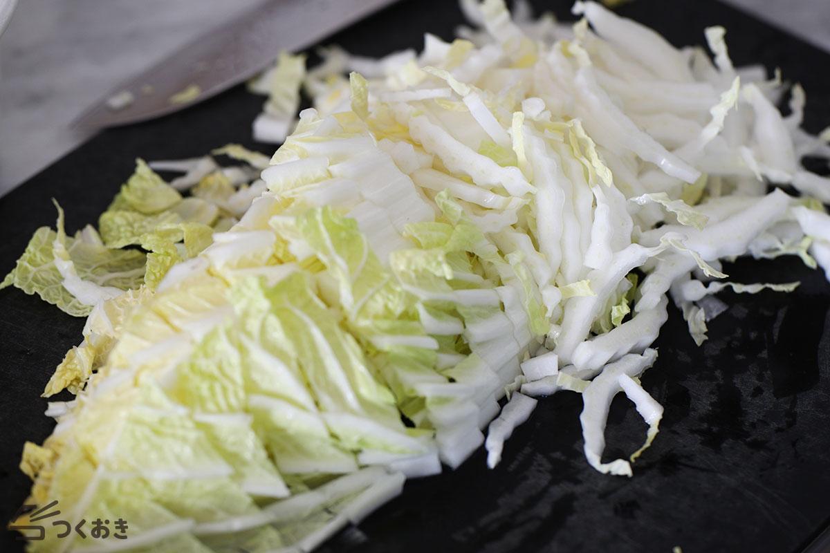 鮭と白菜のめんつゆバター炒めの手順写真その1
