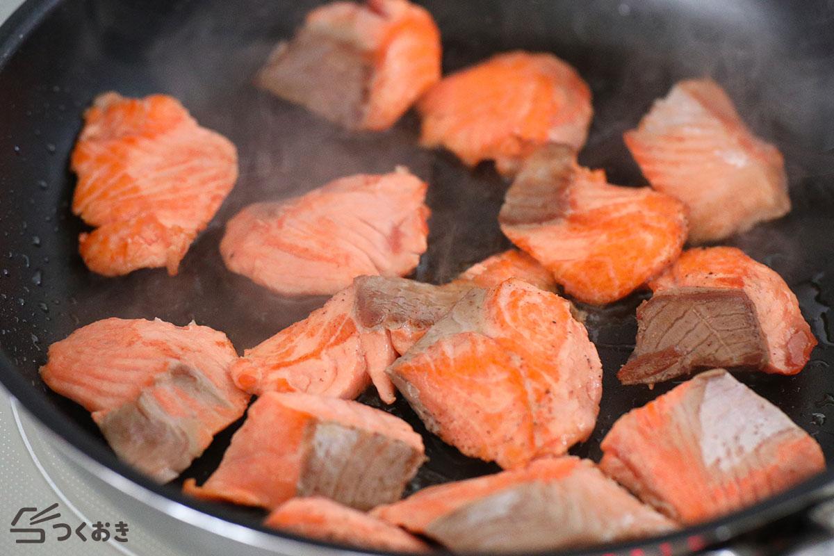 鮭と白菜のめんつゆバター炒めの手順写真その3