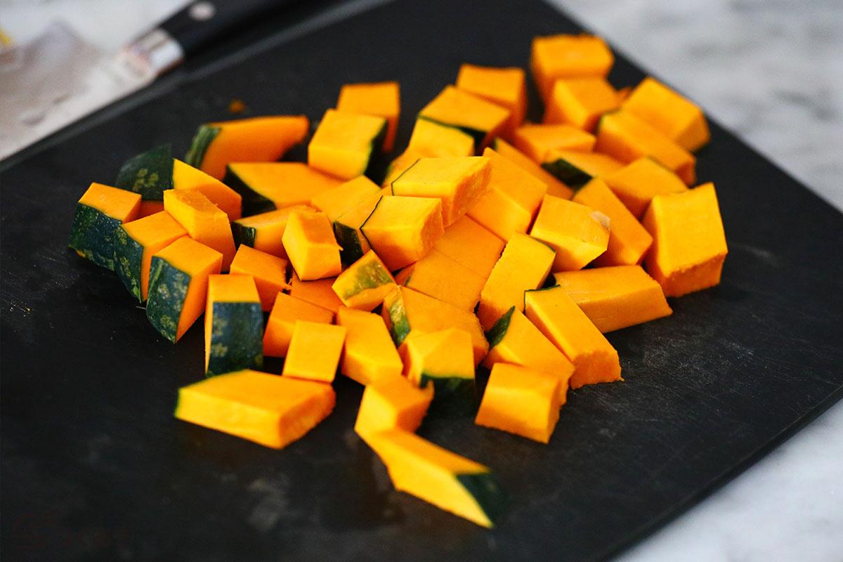 かぼちゃと卵のサラダの手順写真その1